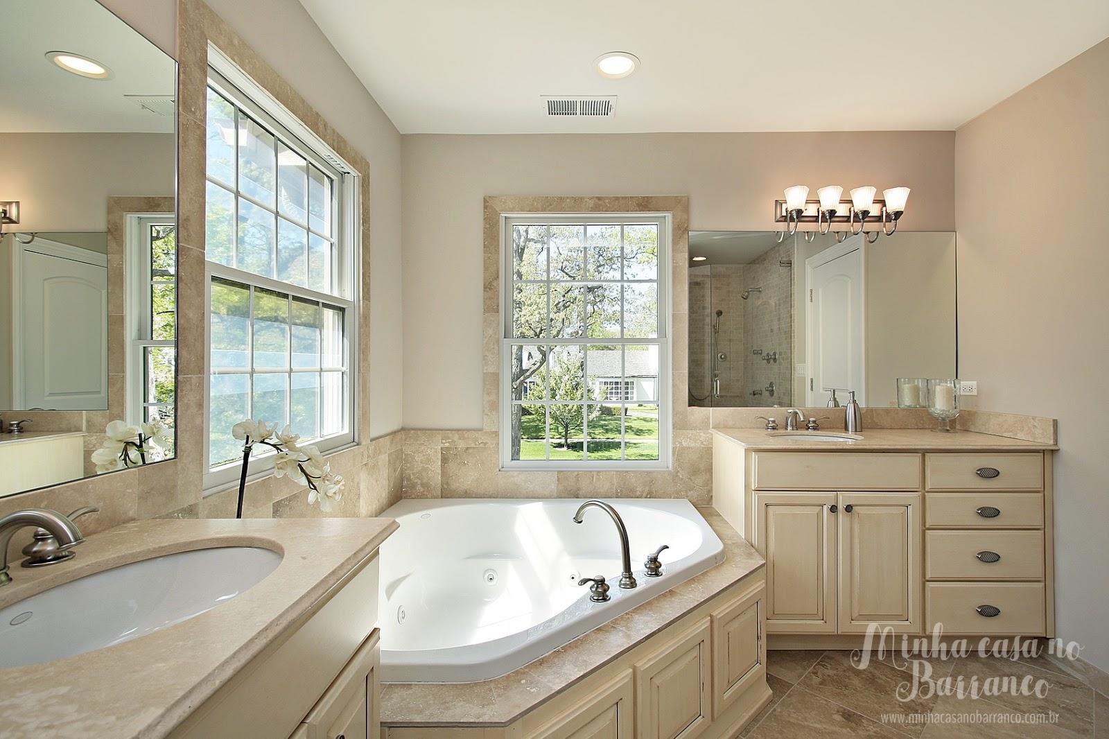 Barranco: Banheiros com Banheiras de Canto 30 ideias para inspirar #604D38 1600x1066 Acabamento De Banheiro Rustico