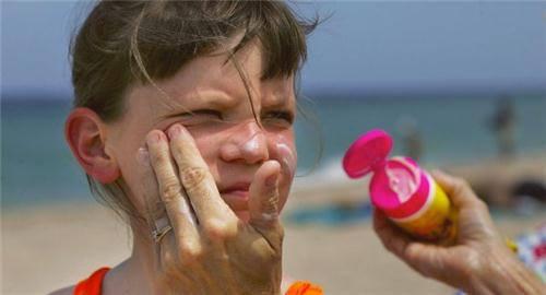Sử dụng kem chống nắng có an toàn không? 7