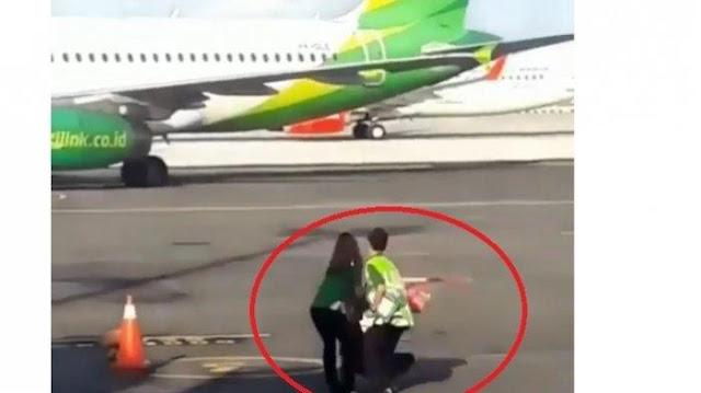 Video Viral! Seroang Perempuan Ketinggalan Pesawat Nekat Kejar Pesawat Yang sudah Lepas Landas