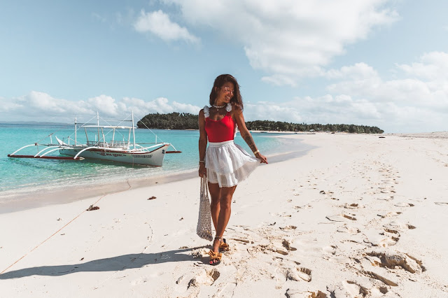 Stylizacja na plażę - body z ozdobnymi plecami  - Czytaj więcej