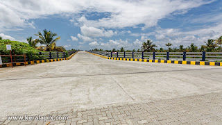 Wide view of Pizhala bridge from container road