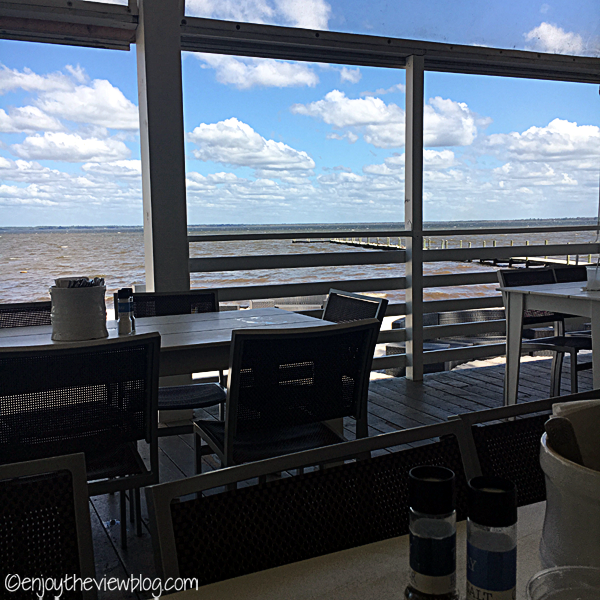 Adventures of Gus and Kim: Lunch in Destin - The Bay! We love going out for lunch when we're on vacation! The Bay not only offers delicious food - you also get a wonderful view of the bay!