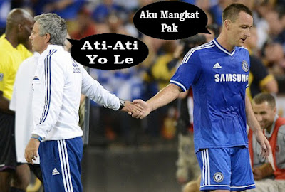 gambar tulisan lucu di sepak bola
