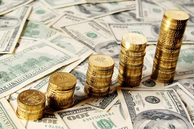 Precio del oro estable