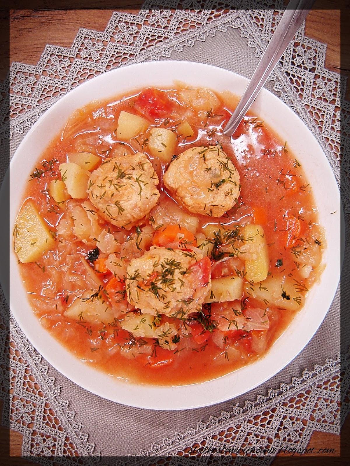 Zupa kapuściana z pulpecikami