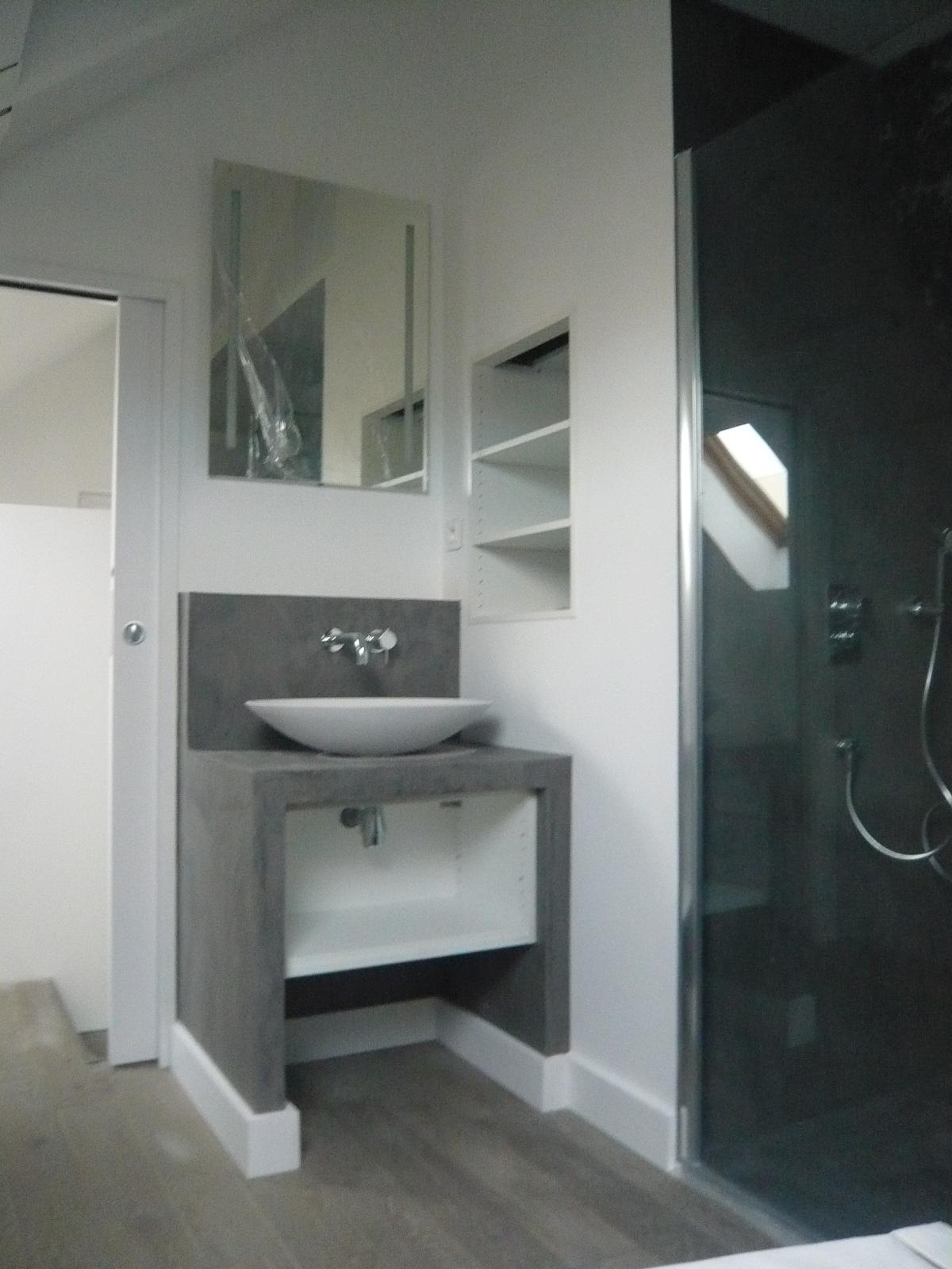 salle de bain sous comble brok n deco. Black Bedroom Furniture Sets. Home Design Ideas