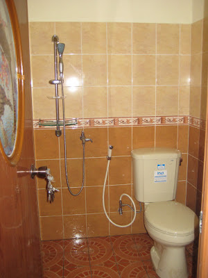 rumah minimalis modern: desain kamar mandi rumah minimalis