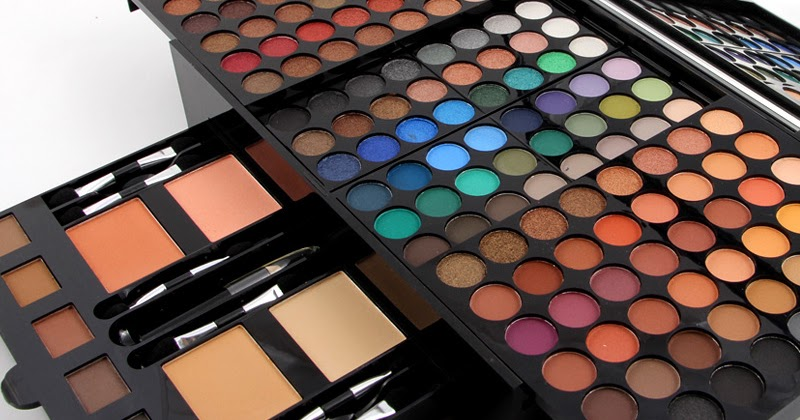 Review of the Composition of Quality Eyeshadow Palette