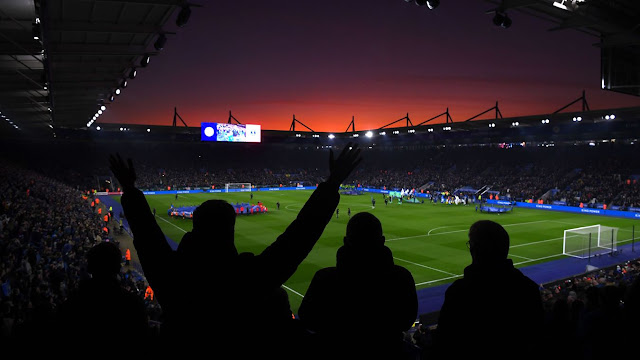Leicester City 2-1 Everton Stunning red skies as darkness descends on King Power Stadium ahead of kick-off between Leicester and Everton