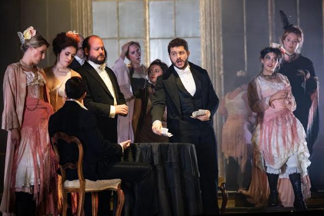 Verdi: La traviata - Matteo Desole and chorus - Opera Holland Park (Photo Ali Wright)