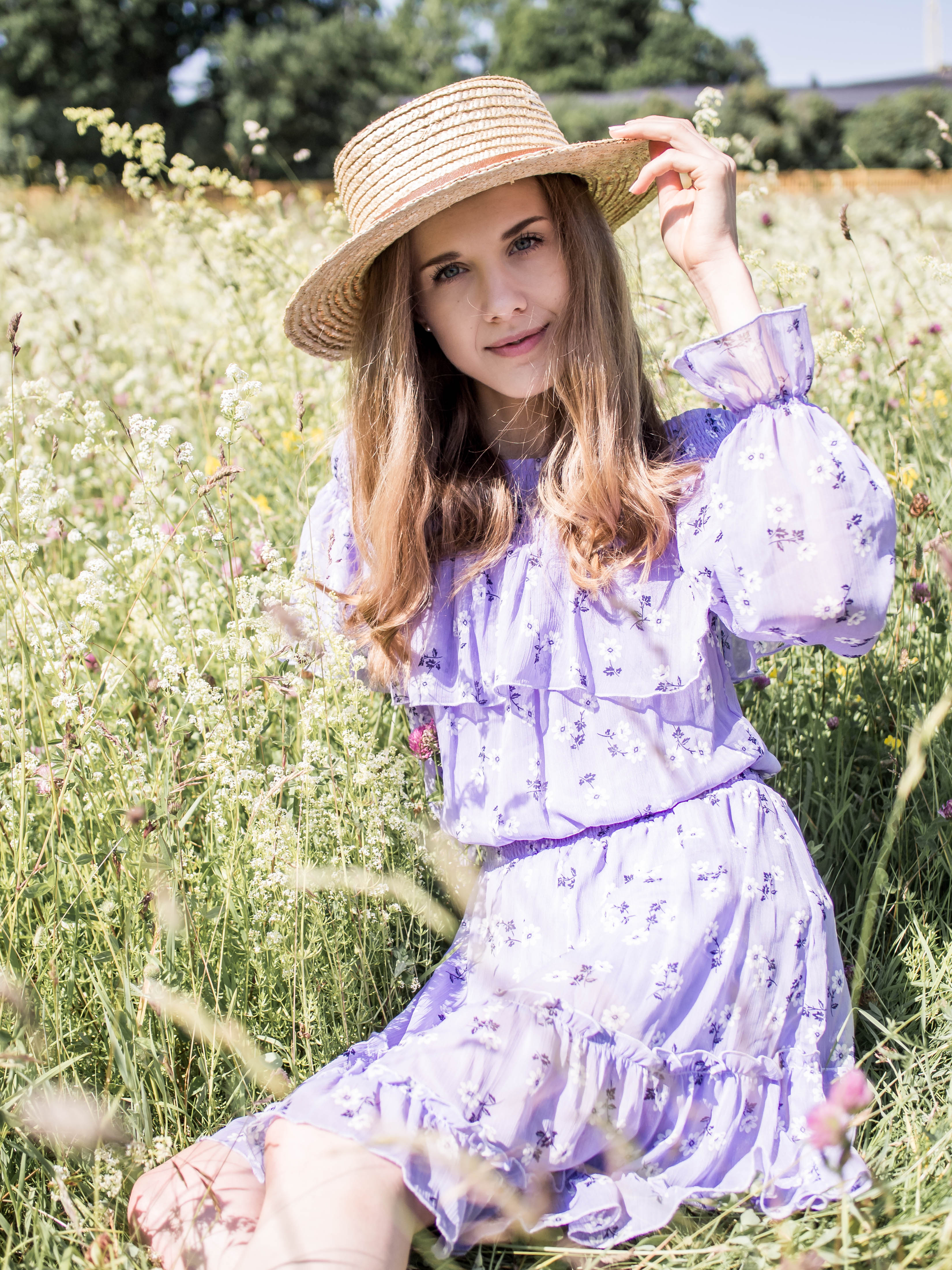 Summer fashion, lavender floral dress - Kesämuoti, laventeli kukkamekko