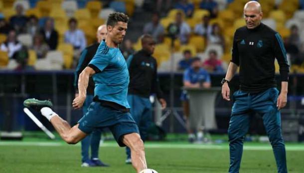 تقرير إسباني : رونالدو نادم على مغادرة ريال مدريد