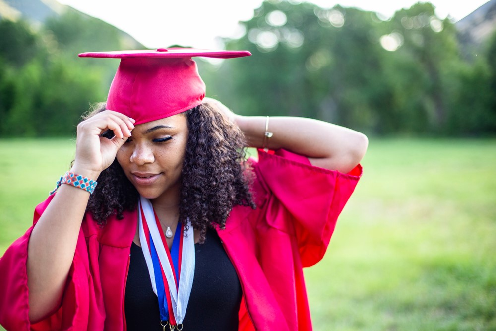 How to Look Great in Graduation Photos
