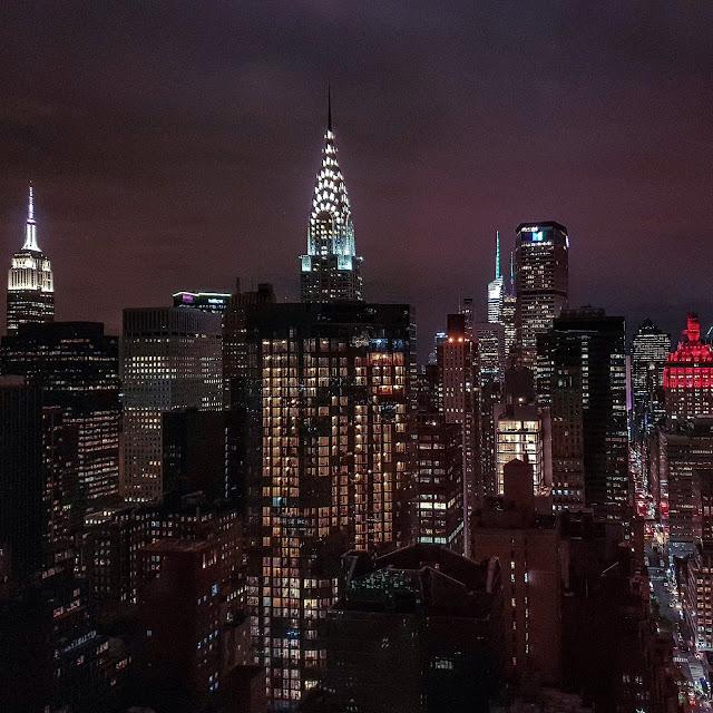 New York, skyline notturno dall'hotel Millenium Hilton