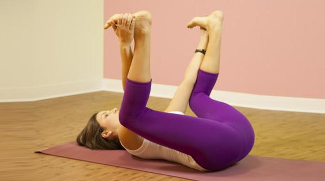 10. Bài tập yoga tăng cường sức khoẻ Ananda Balasana