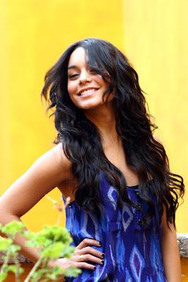 Vanessa Hudgens Mexico 2
