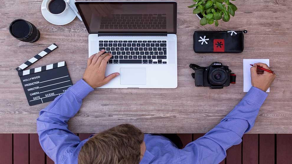 كيف تصبح يوتيوبر ناجح (10 نصائح ستضعك في المقدمة)