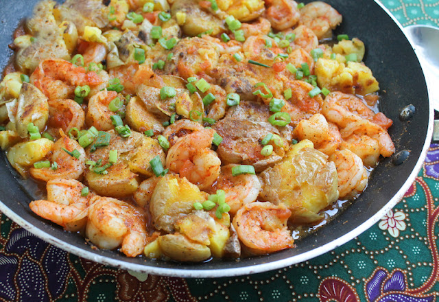 Food Lust People Love: Spicy Beer Shrimp Potatoes are flavorful main course, made with golden baby potatoes, garlic, tomatoes, Old Bay Seasoning and, of course, shrimp and beer!