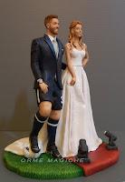 statuette sposi realistiche personalizzate indossatrice giocatore pallone  moda calcio orme magiche