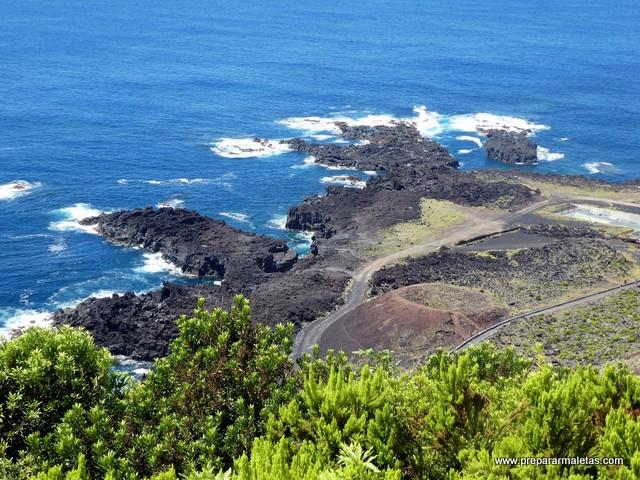 roca volcánica Ponta Ferraira Azores