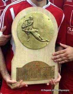 Le Bouclier de champion d'Auvergne Rugby.