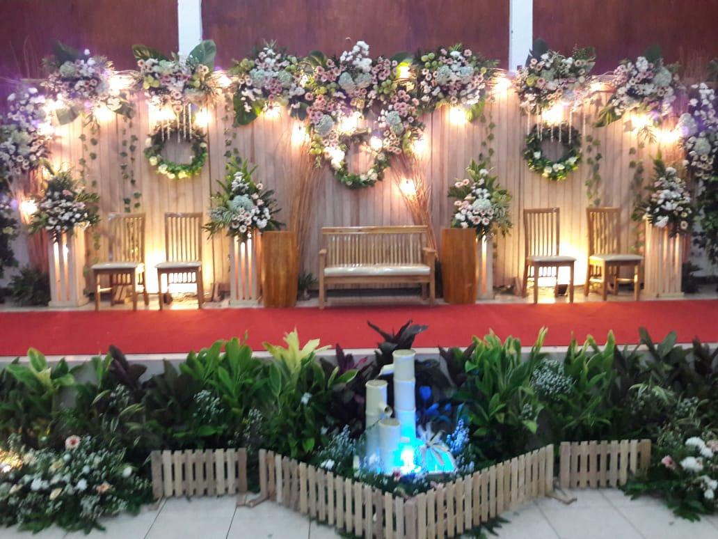 Jasa Vendor Dekorasi Bunga Pelaminan 038