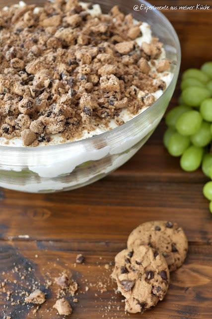 Weintrauben-Schichtdessert mit Schokoladencookies | Rezept | Nachtisch