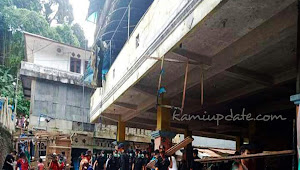 Masyarakat Fakfak Bersatu Membersikan Sisa Puing-Puing Pasca Kerusuhan, Setelah Situasi Kembali kondusif