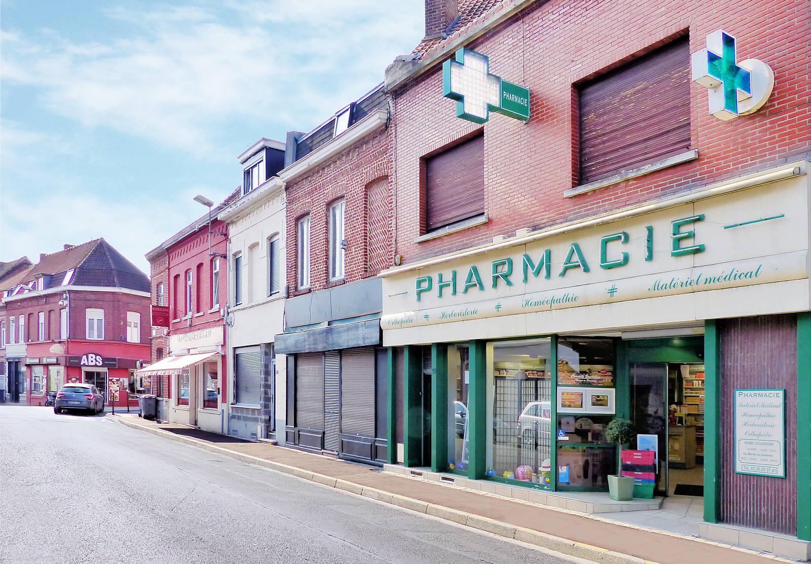 Tourcoing, Rue de la Croix Rouge - Pharmacie Bouckehove.