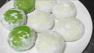 Plain and palak rumali dough balls
