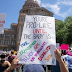Sign at a pacific protest against the ban on abortion in Texas (Picture)