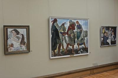 Moscou : La place des trois tableaux de Zinaïde Serebriakova  sur le mur de la galerie Tetraikov