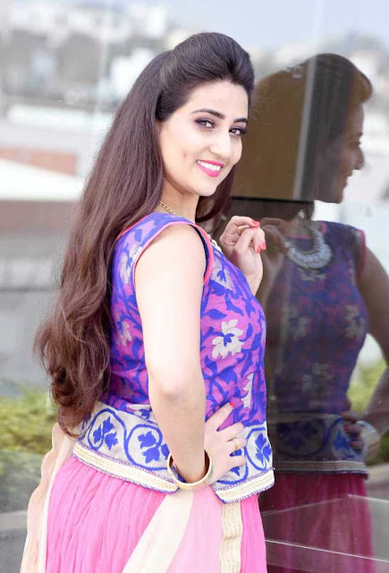 TV Anchor Manjusha Latest Photoshoot Stills Actress Trend