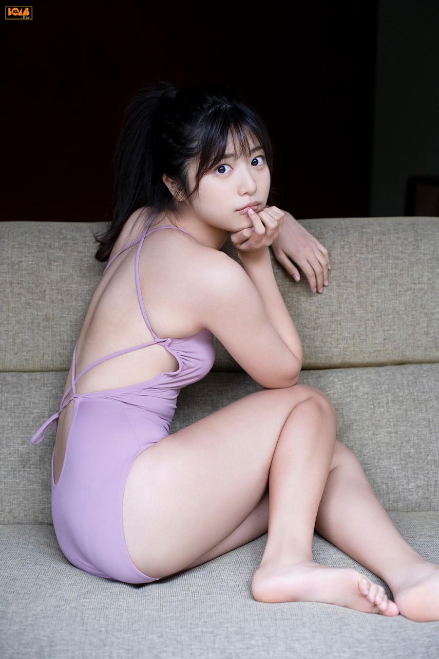 [BOMB.tv] 2020.01 Rio Yoshida 吉田莉桜『雨の土曜日、君に恋した。』