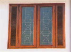 Selanjutnya beranjak pada model kusen pintu minimalis, dari segi material bahannya kurang lebih sama saja dengan kusen jendela yang menggunakan kayu jati karena kusen pintu dan kusen jendela (utamanya bagian depan) sangat dituntut untuk bisa awet dan tahan lama agar tidak diganti dalam jangka waktu yang pendek.