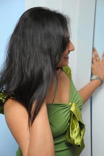 Actress Haripriya Glamorous Stunning Photo shoot
