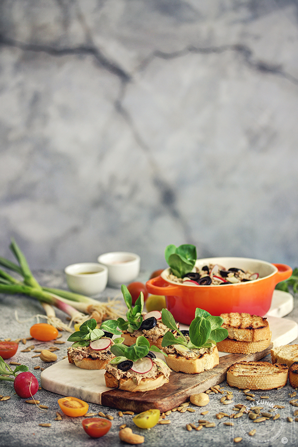 Posni kanape (mali sendviči) sa tunom i Purissima namazom