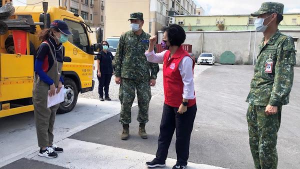 化學兵群挺進彰化執行消毒任務 王惠美向國軍致敬頒感謝狀