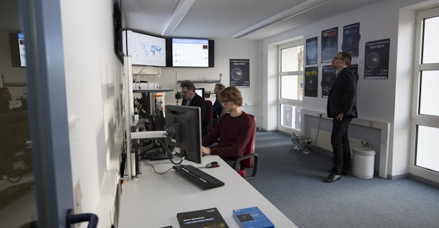 Analysts at work in the space debris facility located at ESA's ESOC mission control centre, Darmstadt, Germany. Credit: ESA/R. Palmari
