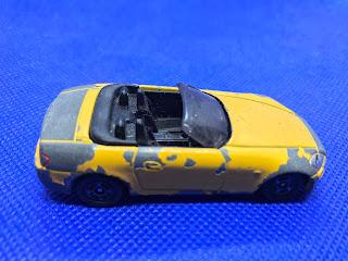 ホンダ S2000のおんぼろミニカーを側面から撮影