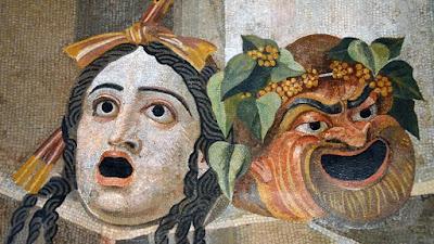 Máscaras de teatro retratadas em mosaico de autor desconhecido do Século II, expostas no Palazzo Nuovo de Roma, Itália.