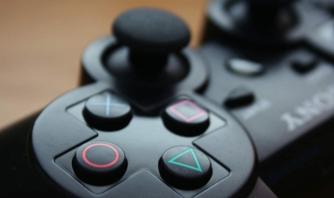 Kelebihan Menggunakan Stik PS2 Yang Perlu Anda Ketahui