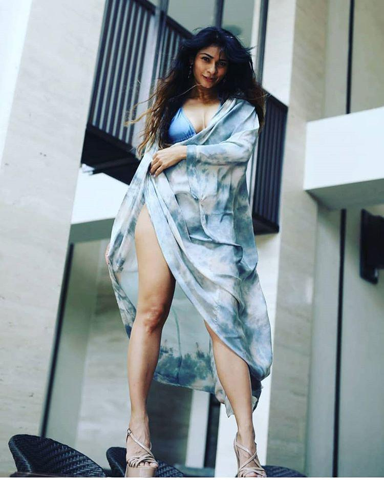 Tanisha Mukherjee Bikini Pics,
