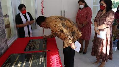 Pengucapan Syukur, Gubernur Olly Resmikan Gedung Pastori GMIM RUT Suwaan