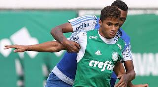 Sport perto de fechar co atacante Yan que está no Estoril-POR