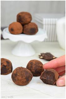 trufas de chocolate caseras y fáciles- trufas de chocolate, nata y mantequilla- trufas de chocolate con cafe-