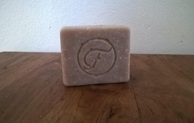 Flow kosmetiikka, rasulsavi-suola shampoo