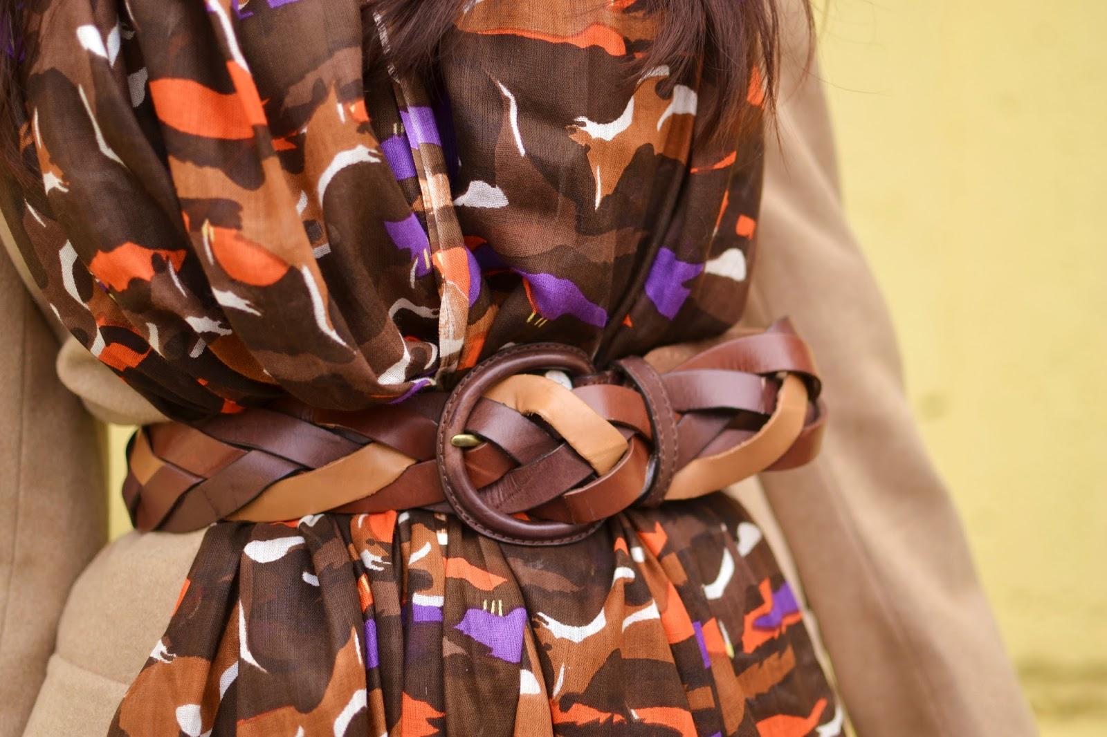 Súhra doplnkov_Katharine-fashion is beautiful_Fialový klobúk Parfois_Vzorovaný šál_Fialové kožené rukavice_Katarína Jakubčová_Fashion blogger