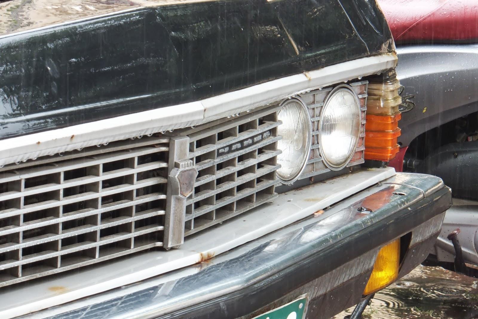 旧ソビエト連邦チャイカ USSR-Chaika-car-front