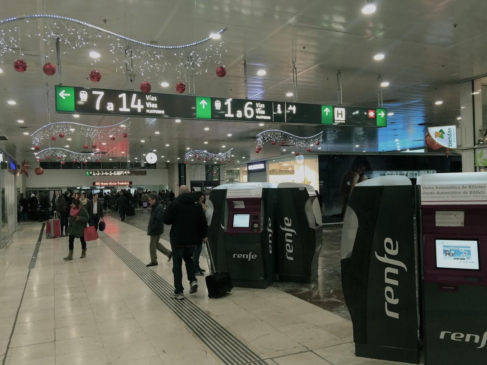 サンツ駅(Estación de Barcelona Sants)